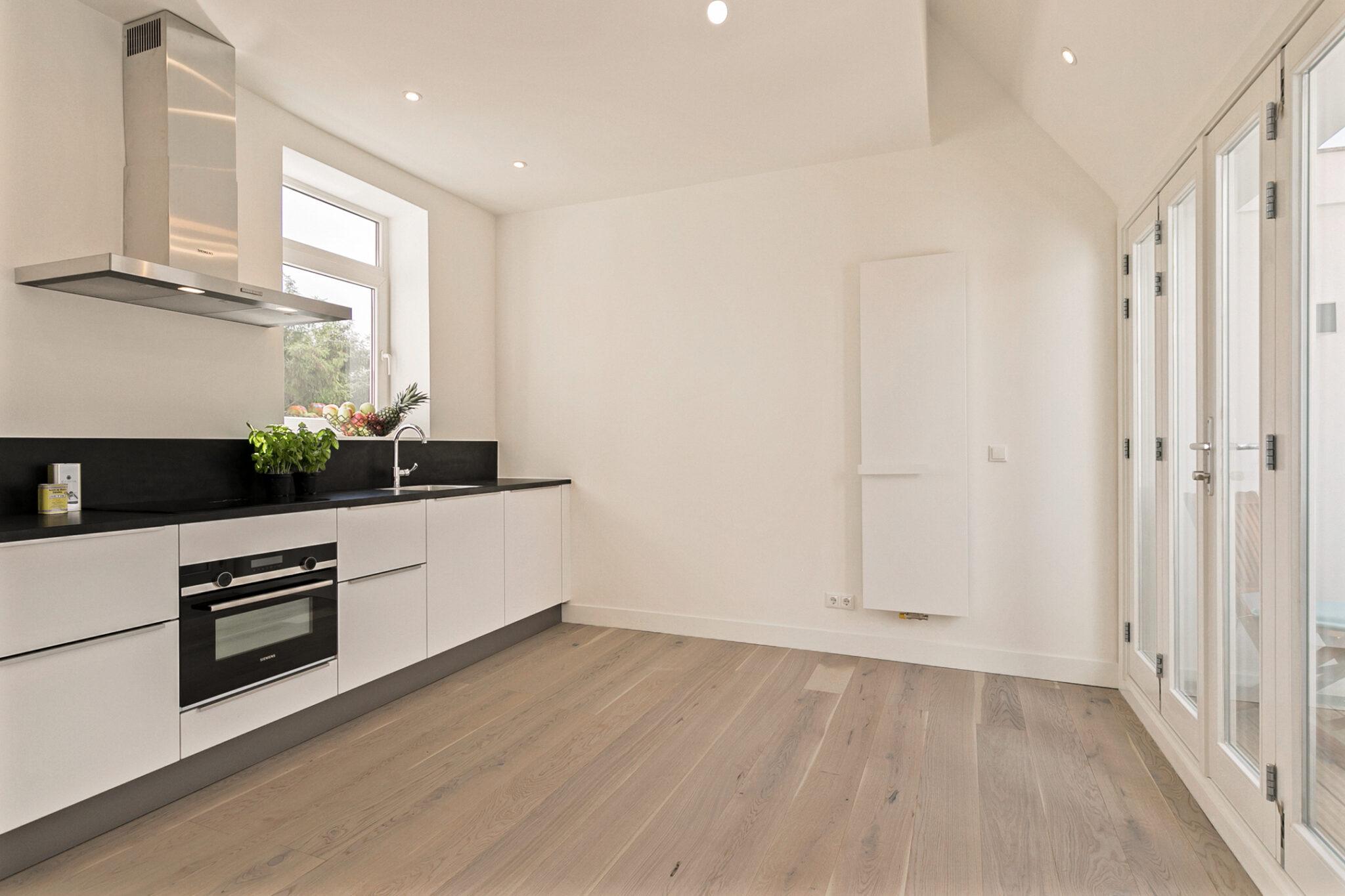 Pieter van Aschstraat 2B luxe keuken met terras