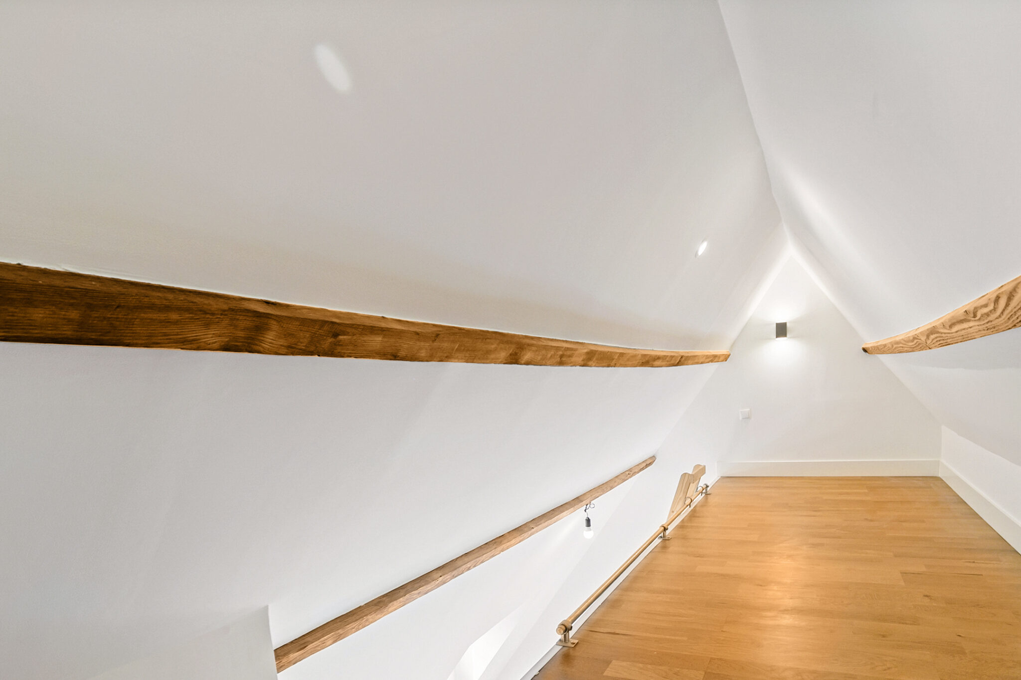 Pieter van Aschstraat 2B slaapkamer met ruime vliering annex slaap-speelplek2