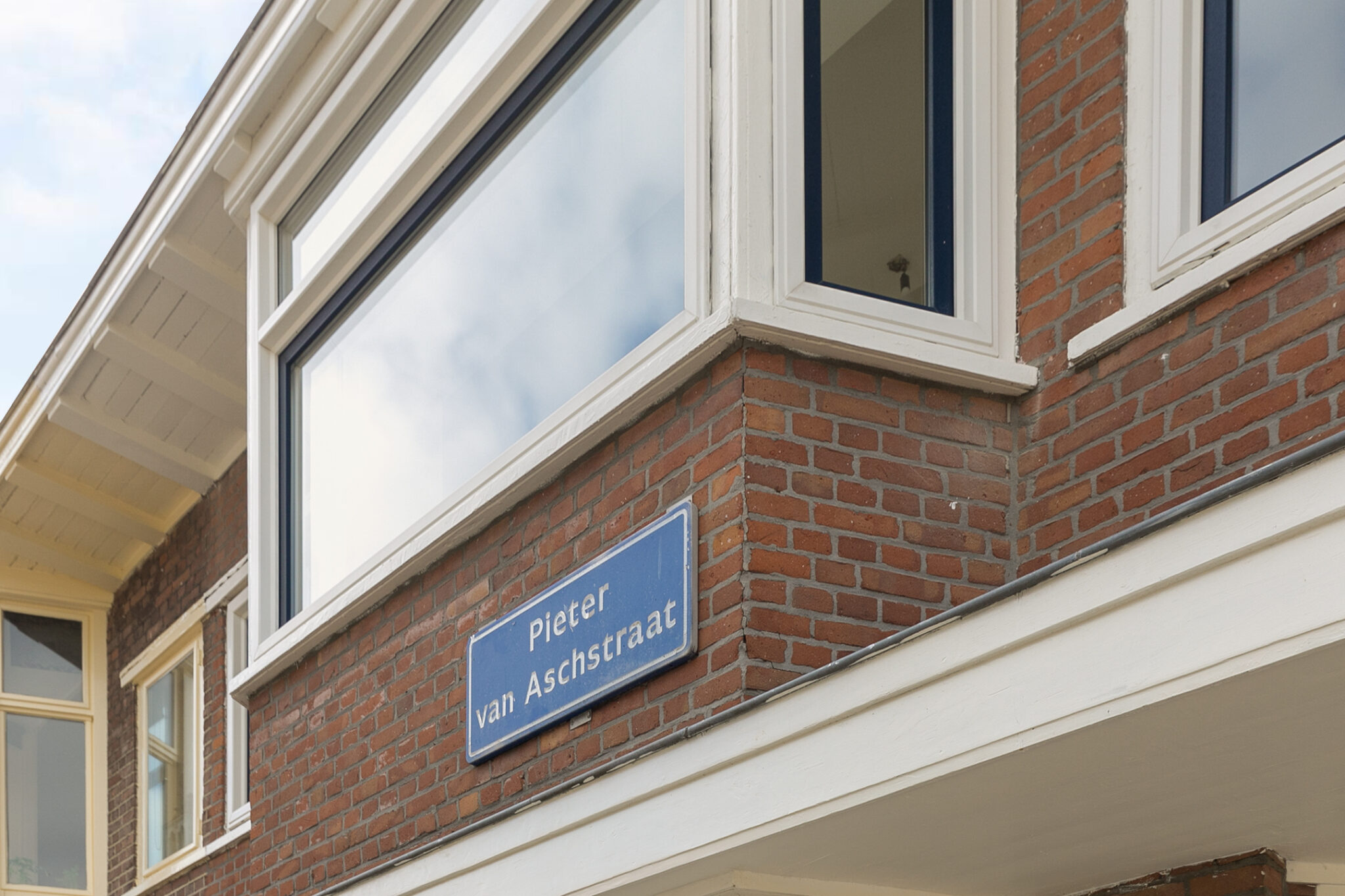 Pieter van Aschstraat 2B straatnaambord