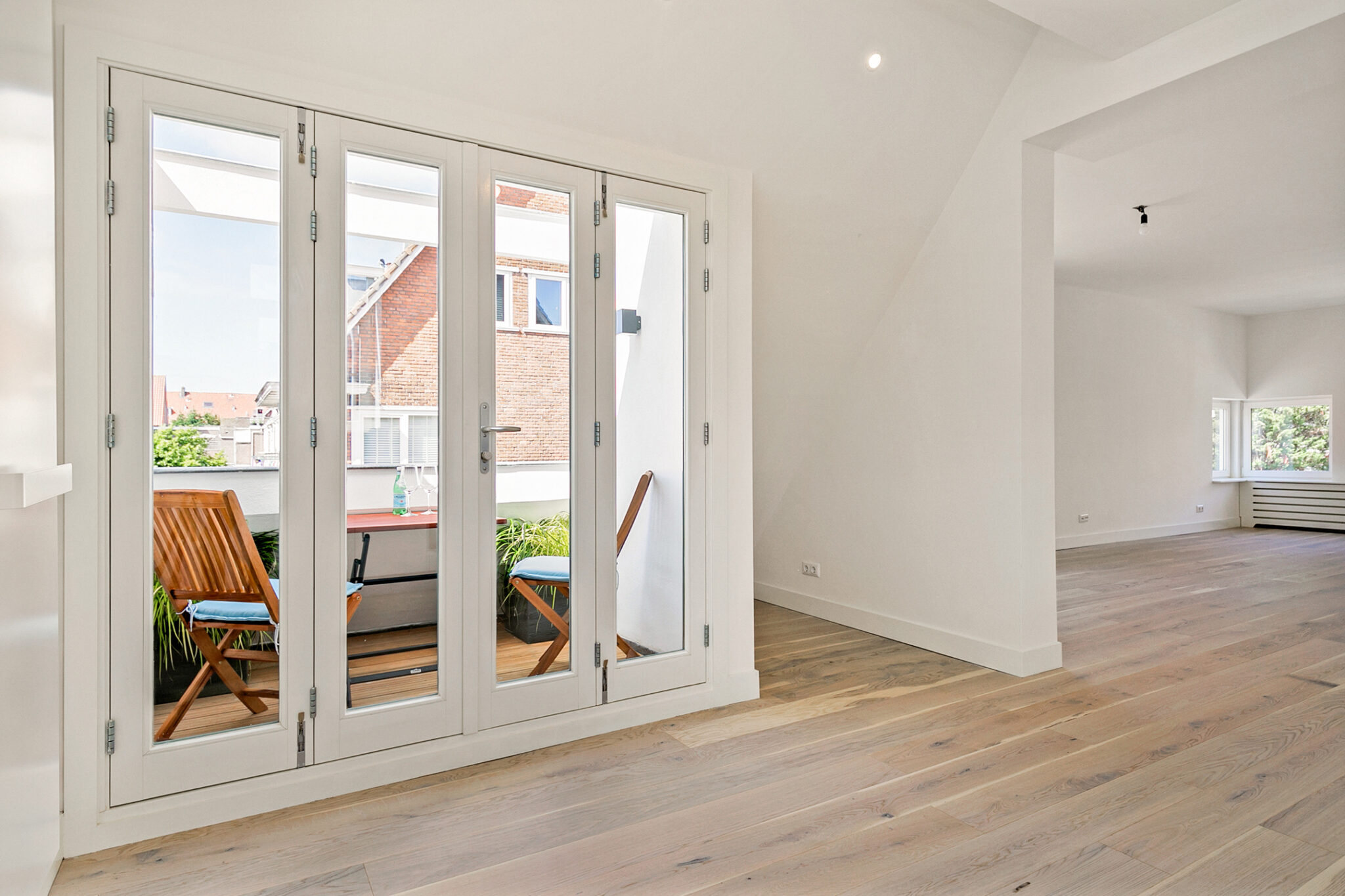 Pieter van Aschstraat 2B terras aan de luxe keuken