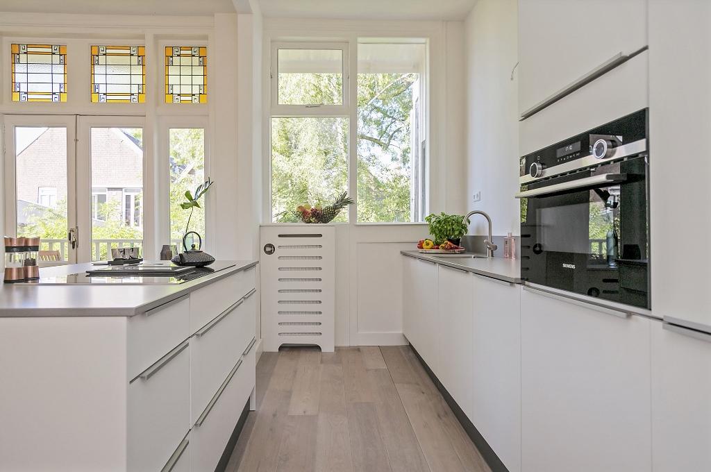 Zwart Janstraat 137A - keuken met kookeiland
