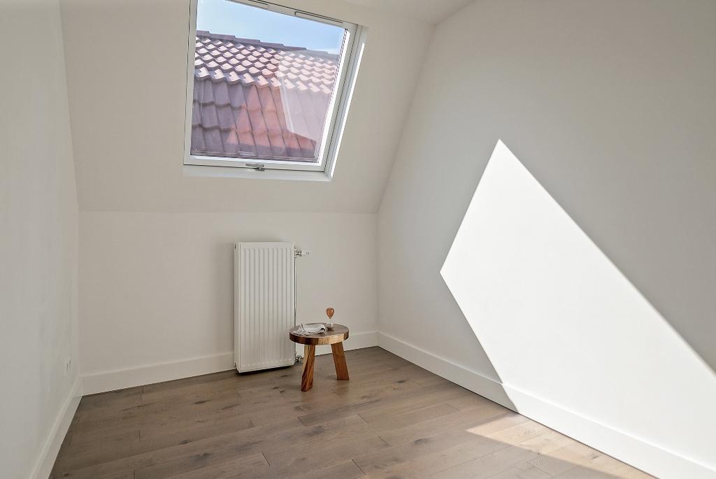 Zwart Janstraat 137A - slaapkamer 3 met dakraam